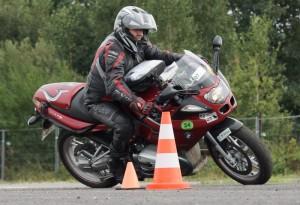 Motorrad  im Slalom